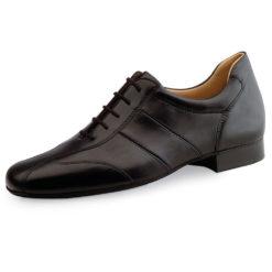 Chaussure de danse pour homme Werner Kern 28021 est en cuir souple, très confortable grâce à un léger rehaussement à l'arrière du talon, laçage 5 trous, joli design de la chaussure, talon 2 cm. Idéal pour danse de salon. Danceworld à Bruxelles